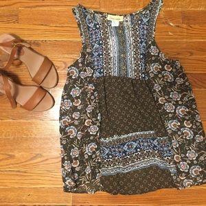 Sleeveless blouse
